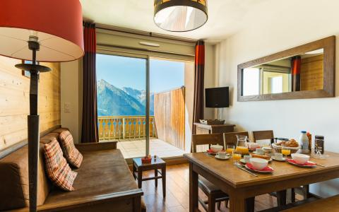 Vacances en montagne Résidence Lagrange les Chalets de l'Adet - Saint Lary Soulan - Coin repas
