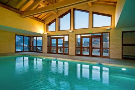 Vacances en montagne Résidence Lagrange les Chalets du Mont Blanc - Les Saisies - Piscine