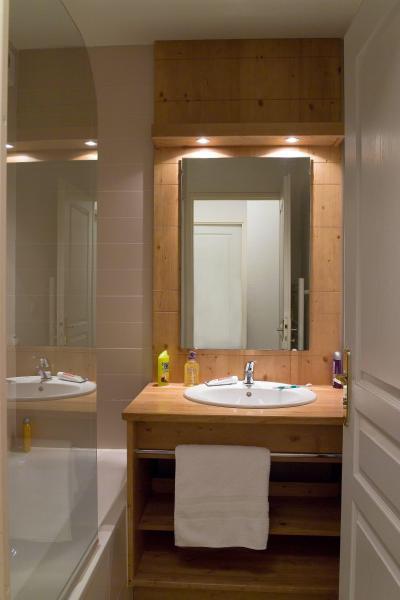 Holiday in mountain resort Résidence le Balcon des Airelles - Les Orres - Bathroom