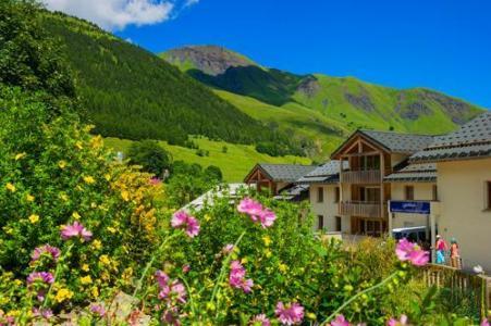 Location au ski Residence Le Balcon Des Neiges - Saint Sorlin d'Arves - Extérieur été