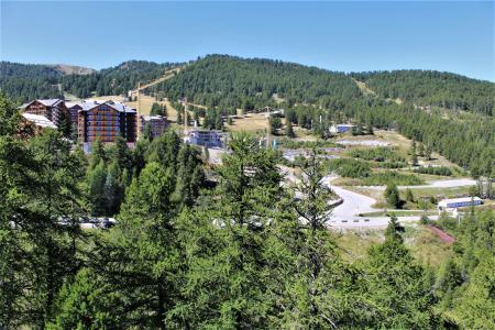 Аренда на лыжном курорте Апартаменты 3 комнат 6 чел. (608) - Résidence le Belvédère - Risoul - летом под открытым небом