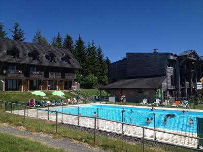 Holiday in mountain resort Résidence le Bois de la Reine - Super Besse - Summer outside