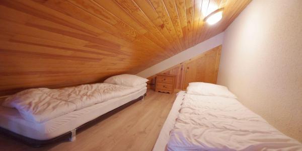 Vacances en montagne Appartement 3 pièces mezzanines 6 personnes (CCET019) - Résidence le Centre - Champagny-en-Vanoise - Mezzanine mansardée (-1,80 m)
