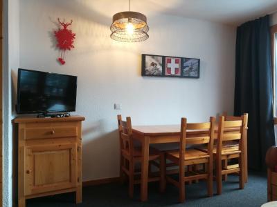 Vacances en montagne Appartement 2 pièces 4 personnes (C30) - Résidence le Cheval Blanc - Valmorel - Table