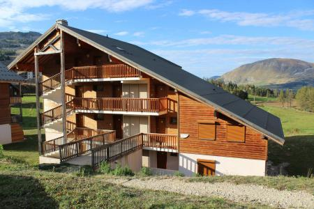 Rent in ski resort Résidence le Chevreuil la Crête du Berger - La Joue du Loup - Summer outside