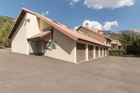 Location au ski Residence Le Clos Des Cavales - Serre Chevalier - Extérieur été