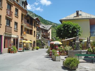 Location au ski Residence Le Clot La Chalp - Molines en Queyras - Extérieur été