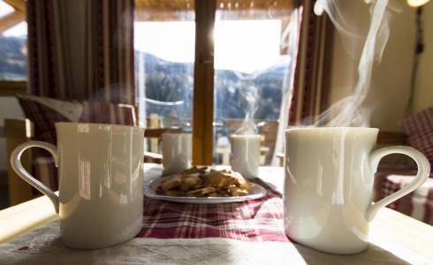 Vacances en montagne Résidence le Critérium - Val Cenis - Table
