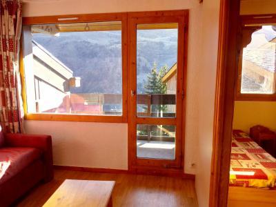 Vacances en montagne Studio 4 personnes (077) - Résidence le Dandy - Méribel-Mottaret - Porte-fenêtre donnant sur balcon