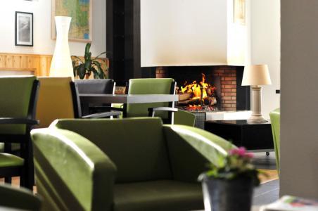 Holiday in mountain resort Résidence le Domaine de Castella - Font Romeu - Fireplace