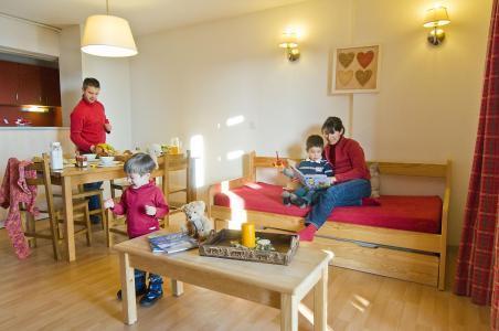 Holiday in mountain resort Résidence le Domaine de Castella - Font Romeu - Living room