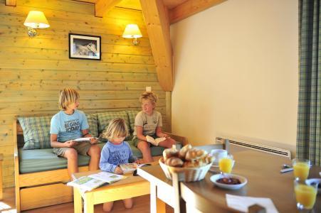 Holiday in mountain resort Résidence le Domaine de Castella - Font Romeu - Sofa-bed