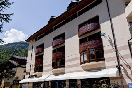 Location au ski Résidence le Grand Chalet - Brides Les Bains - Extérieur été