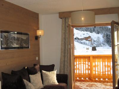 Vacances en montagne Résidence le Grand Ermitage - Châtel - Porte-fenêtre donnant sur balcon