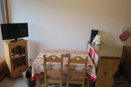 Vacances en montagne Appartement 2 pièces coin montagne 4 personnes - Résidence le Joran - Châtel - Table