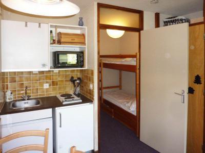 Holiday in mountain resort Studio sleeping corner 4 people (364) - Résidence le Méale - Les Orres - BZ-sofa