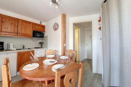 Holiday in mountain resort Studio sleeping corner 4 people (715) - Résidence le Median - Les Menuires - Sleeping area
