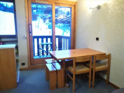 Vacances en montagne Appartement 2 pièces 5 personnes (019) - Résidence le Pierrafort - Valmorel - Table