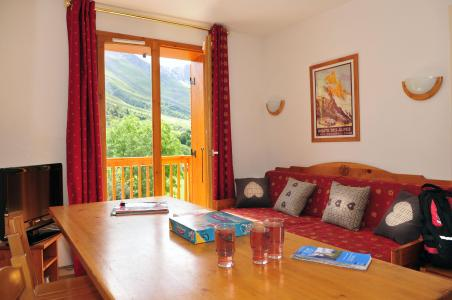 Vacances en montagne Résidence le Relais des Pistes - Albiez Montrond - Table