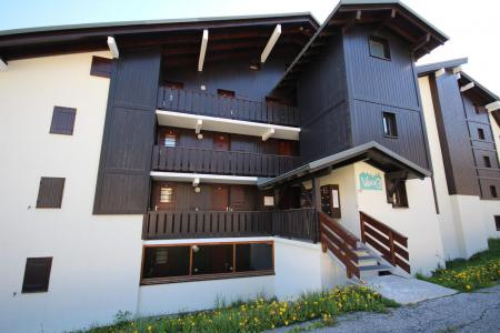 Rent in ski resort Résidence le Village 3 - Les Saisies - Summer outside