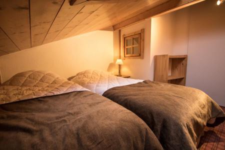 Vacances en montagne Appartement duplex 4 pièces 6 personnes (E14) - Résidence les Alpages de Chantel - Les Arcs - Chambre mansardée