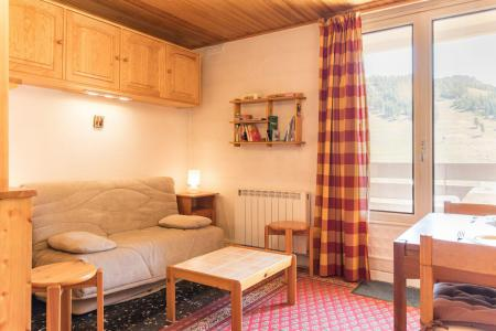 Holiday in mountain resort Studio sleeping corner 4 people (STPRUN) - Résidence les Alpets - Montgenèvre - Table