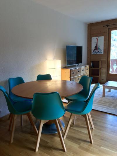 Wakacje w górach Apartament 2 pokojowy z alkową 6 osób (83) - Résidence les Arolles - Valloire - Stołem