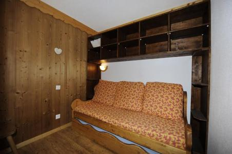 Vacances en montagne Appartement 2 pièces cabine mezzanine 8 personnes (640) - Résidence les Balcons d'Olympie - Les Menuires - Banquette