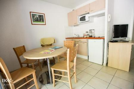 Holiday in mountain resort Studio cabin 4 people (with balcony) - Résidence les Balcons de la Neste - Saint Lary Soulan - Dining area