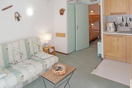 Holiday in mountain resort Studio sleeping corner 4 people (011) - Résidence les Carlines - Les Orres - Bed-settee