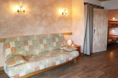 Holiday in mountain resort Studio 4 people (006) - Résidence les Carlines - Les Orres - Bed-settee