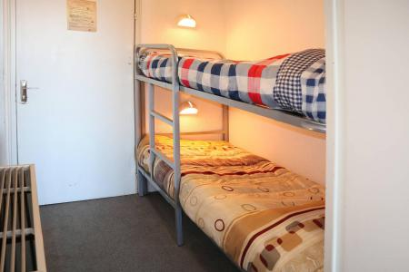 Holiday in mountain resort Studio sleeping corner 4 people (028) - Résidence les Carlines - Les Orres - Sleeping area