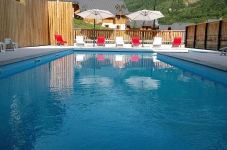 Location au ski Residence Les Chalets De Belledonne - Saint Colomban des Villards - Extérieur été
