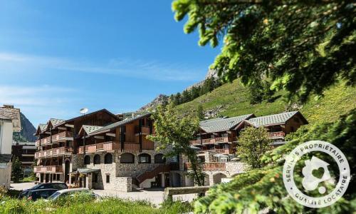 Wynajem Val d'Isère : Résidence les Chalets de Solaise - Maeva Home lato