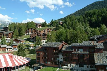Location au ski Residence Les Chalets De Wengen - Montchavin - La Plagne - Extérieur été