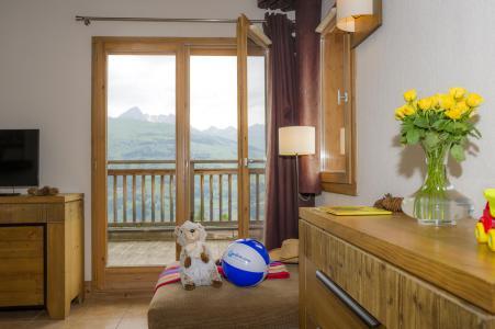 Vacances en montagne Résidence les Chalets de Wengen - Montchavin La Plagne - Porte-fenêtre donnant sur balcon