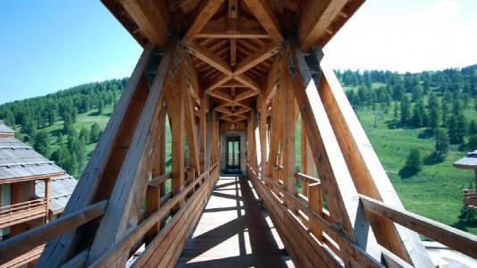 Vacances en montagne Résidence les Chalets des Rennes - Vars - Extérieur été