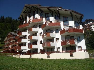 Location au ski Residence Les Charmes - La Tania - Extérieur été