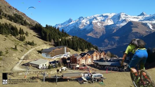 Аренда на лыжном курорте Résidence Les Ecrins d'Auris - Auris en Oisans - летом под открытым небом