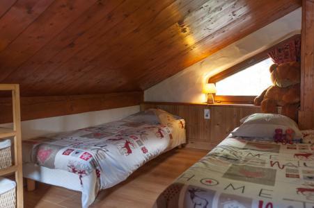 Vacances en montagne Chalet mitoyen 3 pièces mezzanine 6-8 personnes - Résidence les Edelweiss - Champagny-en-Vanoise - Lits twin