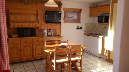 Vacances en montagne Studio 4 personnes - Résidence les Edelweiss - Champagny-en-Vanoise - Kitchenette