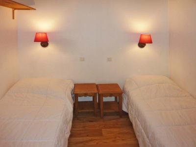 Holiday in mountain resort 2 room apartment 6 people (813) - Résidence les Eglantines - Les Orres - Small bedroom