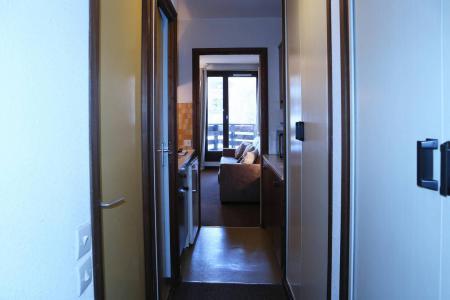 Holiday in mountain resort Studio sleeping corner 4 people (108) - Résidence les Gradins - Les Orres - Hall