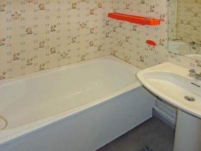 Holiday in mountain resort Studio sleeping corner 4 people (111) - Résidence les Gradins - Les Orres - Bath-tub