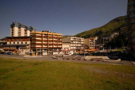 Location au ski Studio 4 personnes (F1) - Residence Les Marmottes - Gourette - Extérieur été