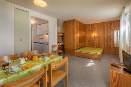 Holiday in mountain resort Résidence les Myrtilles - Gérardmer - Living room