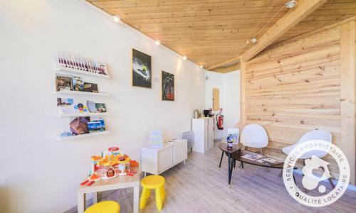 Location La Joue du Loup : Résidence les Terrasses du Dévoluy - Maeva Home été