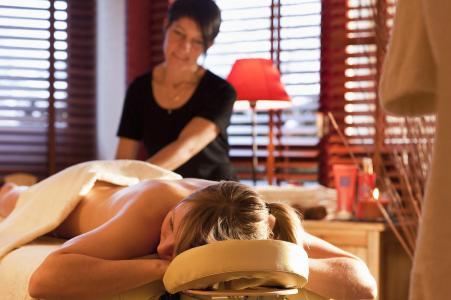 Vacances en montagne Résidence les Vallées - La Bresse - Massage