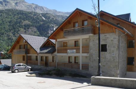 Rent in ski resort 2 room apartment 4 people - Résidence les Valmonts de Vaujany - Vaujany - Summer outside