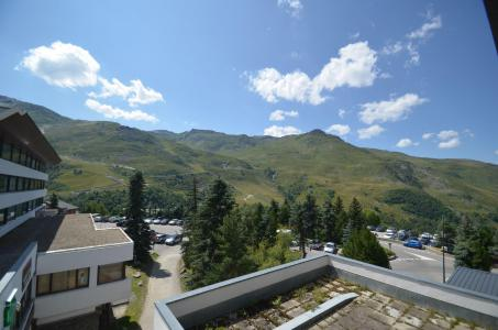 Vacances en montagne Studio cabine 4 personnes (22) - Résidence Oisans - Les Menuires - Extérieur été